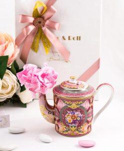 bomboniera teiera e profumatore rosa con fiori e decori color oro linea maroc e roll baci milano 1