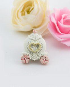 calamita carrozza con fiori rosa e cuore