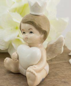 sculturina angioletto bimbo con cuore e corona porcellana
