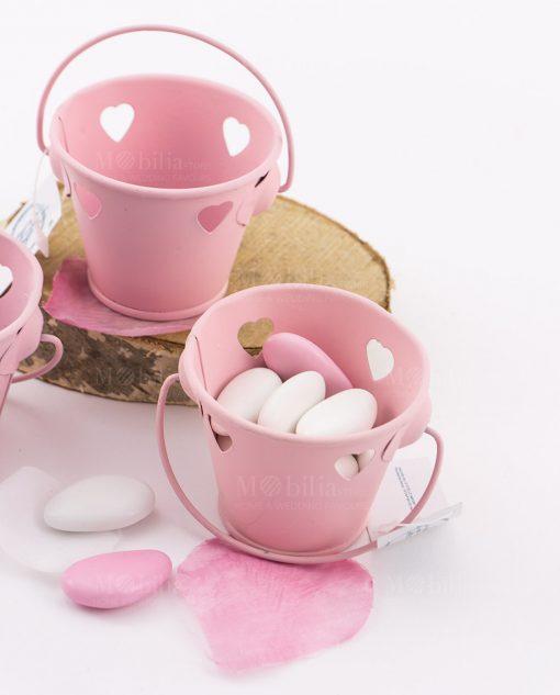 secchiello portaconfetti rosa con cuoricini
