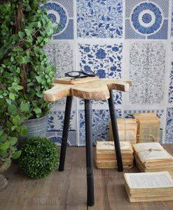 tavolino tre piedi ferro e base legno irregolare orchidea milano