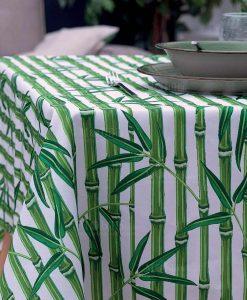 tovaglia antimacchia con stampa natura su fondo bianco collezione bamboo city villa deste