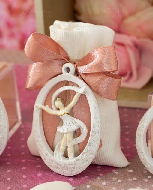 bomboniera appendino magnete ballerina dentro goccia su sacchetto bianco rigato