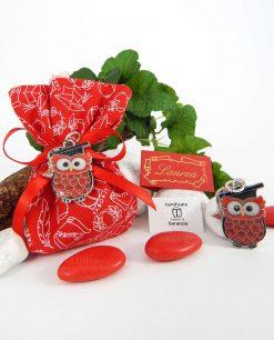 bomboniera ciondolo gufo laccato rosso tabor su sacchetto con stampe