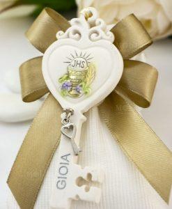 bomboniera pendaglio chiave cuore con calice su sacchetto bianco rigato con fiocco