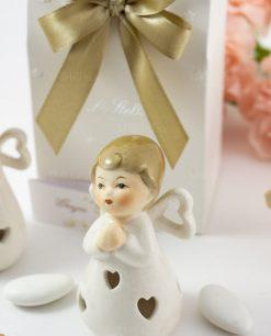 bomboniera sculturina angioletto con cuoricini