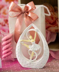 bomboniera sculturina da appoggio media ballerina bianca con tutù dentro goccia con nastro