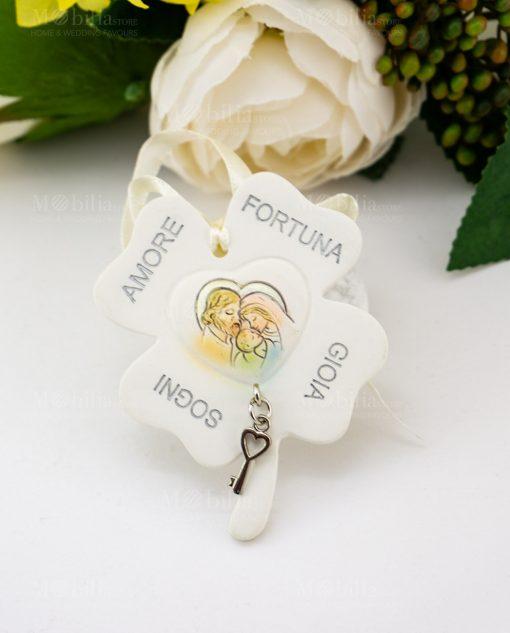 pendaglio quadrifoglio con scritte amore fortuna gioia e sogni con sacra famiglia e ciondolino chiave cuore
