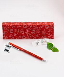 penna rossa ciondolo pergamena tabor personalizzata