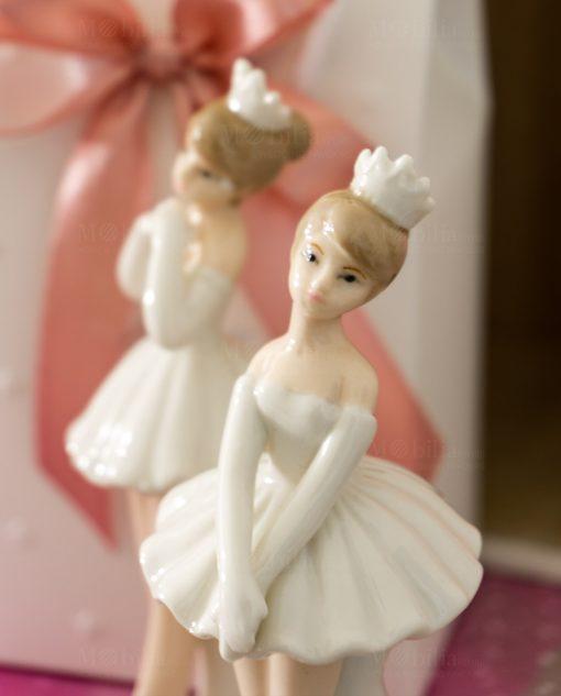 sculturina piccola ballerina in piedi porcellana