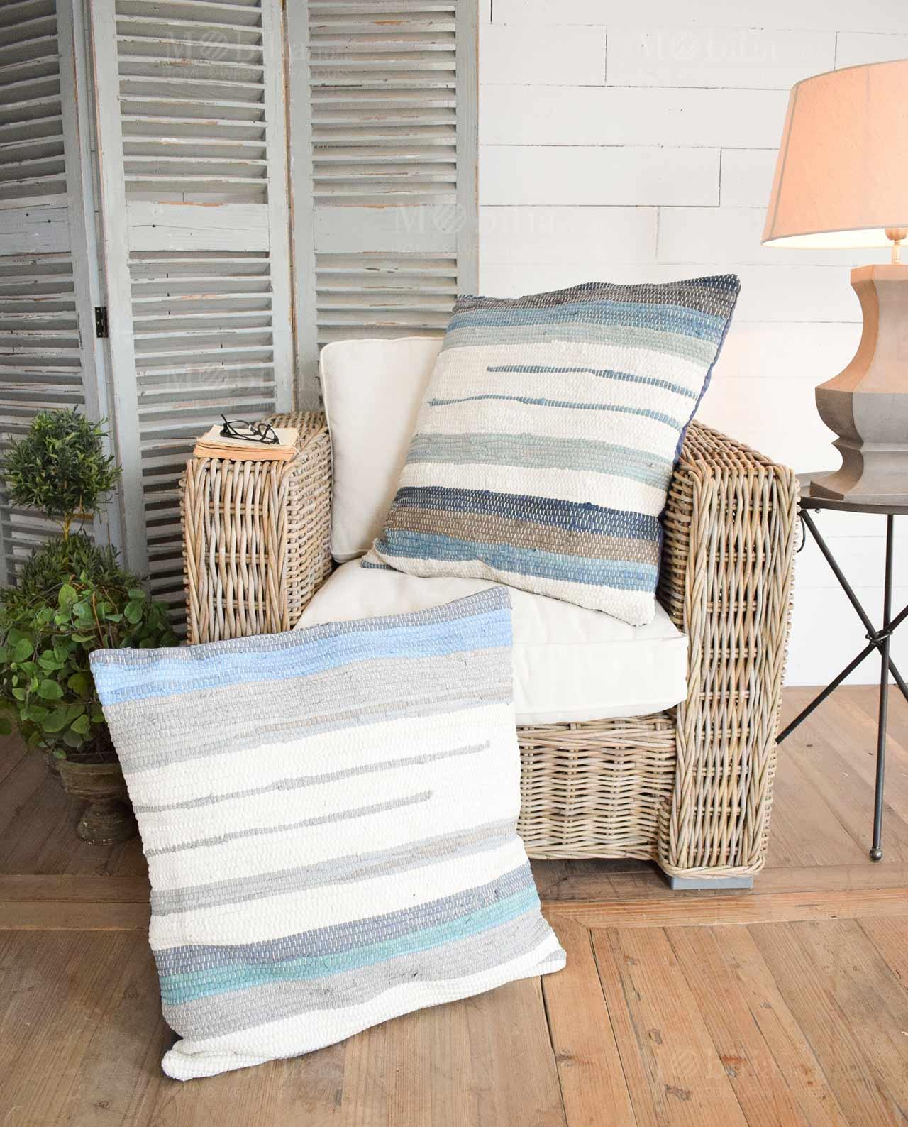 Cuscini Bianchi E Blu.Set 2 Cuscini Grandi Bianchi E Blu Mobilia Store Home Favours