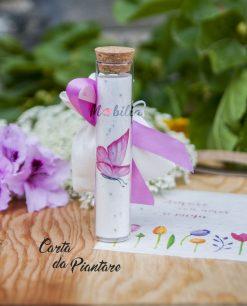 tubicino con carta da piantare farfalla rosa