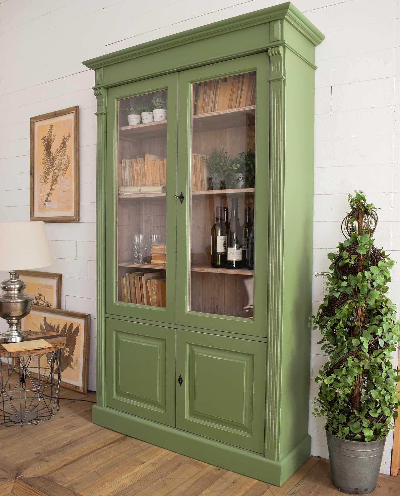 Mobile vetrina cortina legno pino massello verde mobilia for Mobilia recensioni