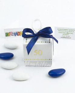 scatolina-con-confetti 50 oro e nastro in raso blu